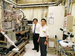 Professor Nobuo Kamiya (left) and Professor Jian-Ren Shen (right)
